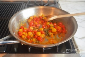 Запечённый сыр фета с помидорами - фото шаг 3