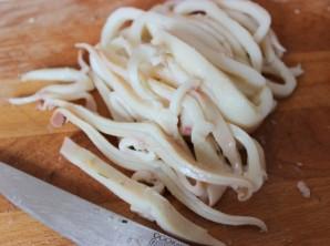 Салат из кальмаров и пекинской капусты - фото шаг 2