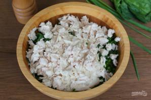 Салат с капустой, курицей и кукурузой - фото шаг 6