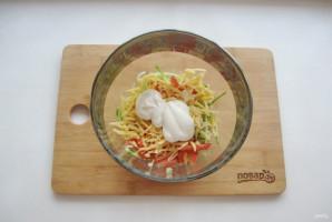 Салат с курицей и картофельной соломкой - фото шаг 9