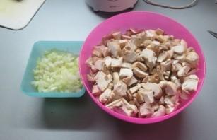 Грибной крем-суп в мультиварке - фото шаг 2