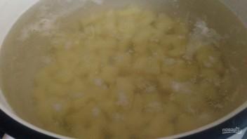 Суп на скорую руку с сосисками - фото шаг 1