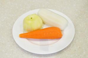 Дайкон с морковью и яблоком - фото шаг 2