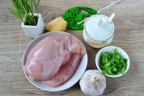 Куриные кармашки со шпинатом и чесноком - фото шаг 1