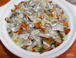 Мясо в сливках с кабачками и грибами в духовке - фото шаг 4