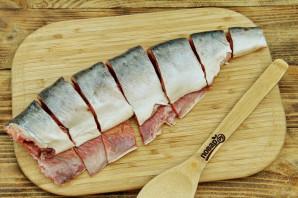 Шашлык из рыбы на решетке - фото шаг 2
