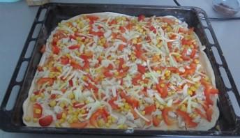 Пицца из слоеного бездрожжевого теста - фото шаг 10
