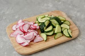 Салат из кольраби и редиса - фото шаг 4