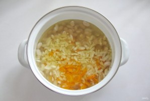 Суп с фасолью и сосисками - фото шаг 4