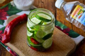 Зимний салат со свежим огурцом - фото шаг 6