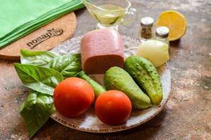 Салат с ветчиной, помидорами и базиликом - фото шаг 1