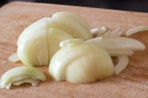 Сочная свинина с чесноком в духовке - фото шаг 4