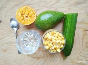 Салат с авокадо и кукурузой - фото шаг 1