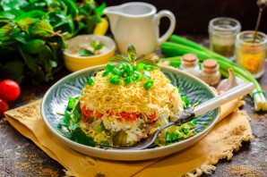 Салат из печени трески слоеный - фото шаг 11