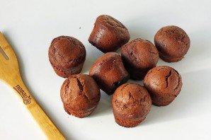 Шоколадные маффины с бананом - фото шаг 7