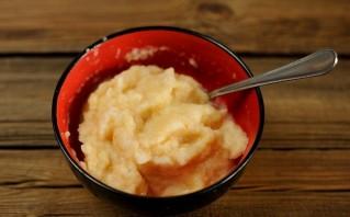 Пирог с яблочным пюре - фото шаг 2