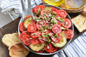 Салат из кабачков и помидоров - фото шаг 12