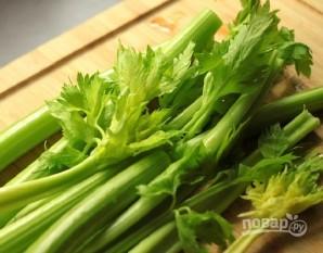 Салат с курицей и сельдереем - фото шаг 4