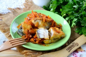 Щука под маринадом из моркови и лука - фото шаг 8