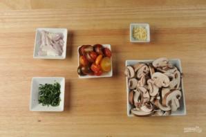 Паста с помидорами и грибами - фото шаг 1