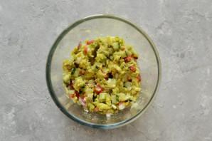 Лодочки из авокадо - фото шаг 5