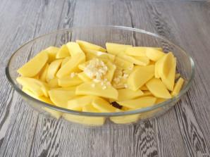 Рулька с картошкой в духовке - фото шаг 6