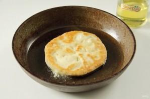 Лепешки с сыром сулугуни - фото шаг 6