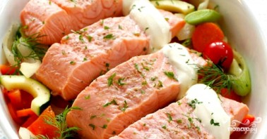 Семга, тушенная с овощами - фото шаг 3