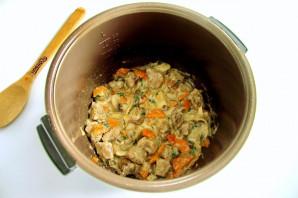 Индейка с грибами в мультиварке - фото шаг 7