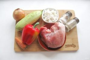 Перец фаршированный мясом и кабачками - фото шаг 1