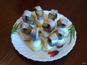 Канапе с сельдью и яйцами - фото шаг 7