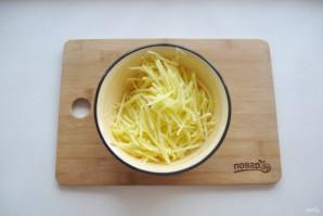 Салат с курицей и картофельной соломкой - фото шаг 2