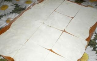 Пирожки с колбасой и сыром - фото шаг 2