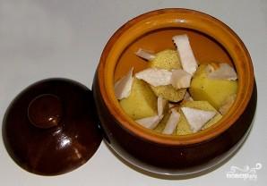 Картофель, запеченный с салом в горшочках - фото шаг 3