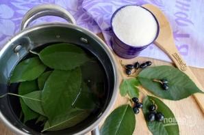 Варенье из смородины с листьями вишни - фото шаг 2