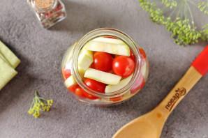 Ассорти из помидоров и кабачков на зиму - фото шаг 5