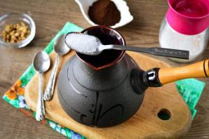 Кофе с кардамоном в турке - фото шаг 3