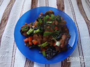 Телятина с черносливом, тушенная в горшочке - фото шаг 8