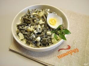 Салат из морской капусты с яйцом - фото шаг 4