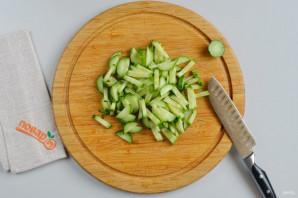 Салат из пекинской капусты с сыром - фото шаг 3