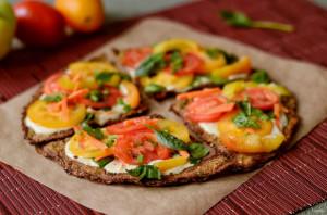 Сыроедческая пицца - фото шаг 8