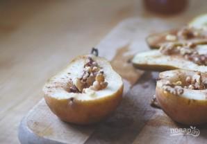 Запеченные груши с грецкими орехами и медом - фото шаг 4