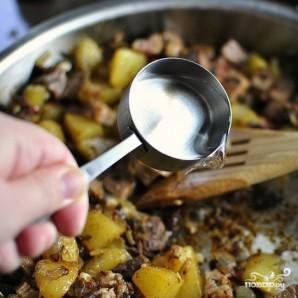 Жареная картошка с мясом - фото шаг 8