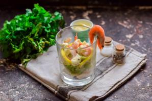 Салат с креветками, кальмарами и авокадо - фото шаг 6