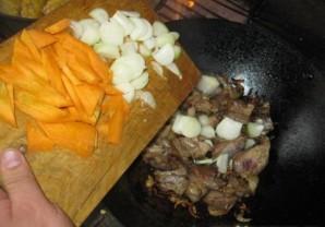 Бараньи ребрышки с картошкой тушеные   - фото шаг 6