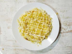 Салат с картошкой, курицей, грибами и сыром - фото шаг 5