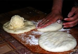Хачапури с сыром и яйцом - фото шаг 5