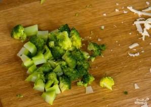 Брокколи с сыром на сковороде - фото шаг 1