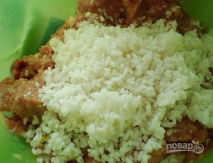 Тефтели, запеченные в духовке в сметанном соусе - фото шаг 4