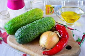Салат из огурцов с перцем и луком на зиму - фото шаг 1